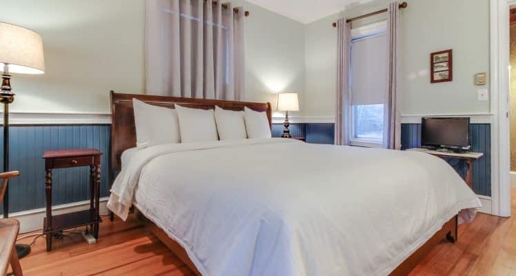 Captain Lawrence Inn – Addison room 2 MAFM08-444524